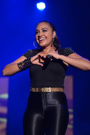 Jessica Mauboy shows the scouts some love at the Maryborough showgrounds.