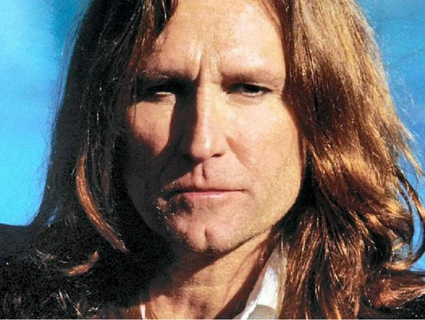 English rocker John Waite has cancelled his upcoming tour, including his Mackay show in March.