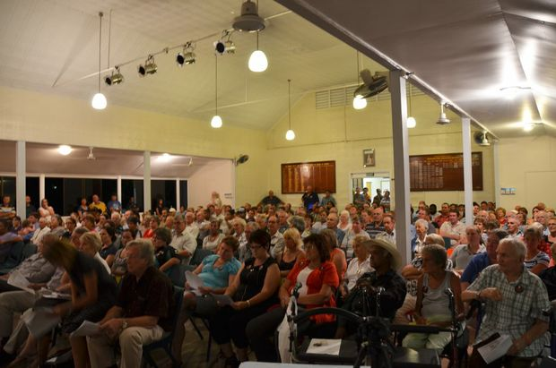 HOSPITAL SUPPORT: More than 400 residents filled the Eidsvold Community Hall.
