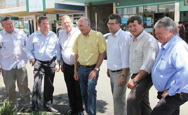 Andrew Mead, Principle Extension officer – DAFF , John McVeigh, Paul Neville, Warren Truss, Keith Pitt (candidate Hinkler), John Cobb, Ken ODowd