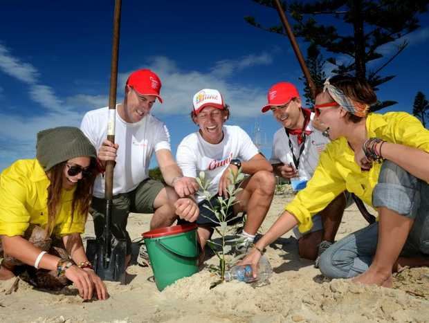Lizzay Canters KDC, Scott Carter (Holcim), Tim Jack Adams (Team Building Guru), Patrick McGlinchey (Holcim) and Whitney Webster-Cook (KDC). Plants some trees on the forshore in Kingscliff.