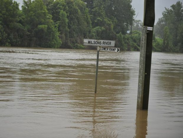 The Wilson River at the Rowing Club Carpark in Lismore starting to rise after heavy rainfall. Photo Cathy Adams / The Northern Star