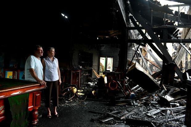 Fire at Mount Warning Hotel, Uki. Geoff and Lexie Brown.