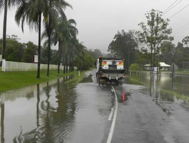 Flooding around the Palmwoods area.