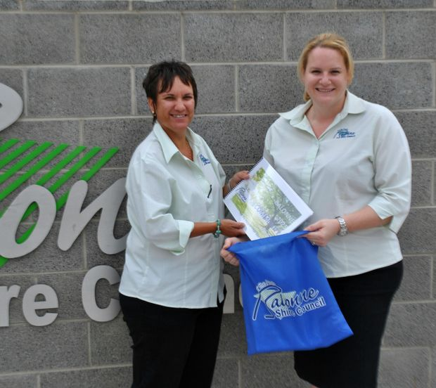 MEET AND GREET: Mel Waters and Liz Nosse prepare greeting packs for new residents ahead of the Balonne Shire Council's meet and greet on March 7. - Lyndon Keane
