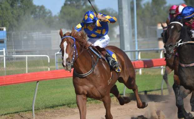 The Maranoa Regional Council has stepped in to support Easter in the Country, after Origin pulled out as event sponsors due to animal welfare concerns with the races and the rodeo.