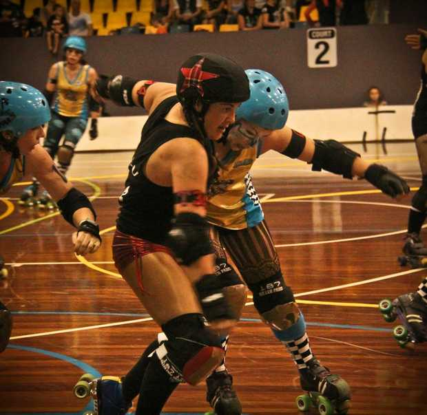 The Bay Rollers vs Gold Coast Roller Girls - Tank U gets hit out by the Gold Coast We lost 317 - 178 so there was no rapturous right up!
