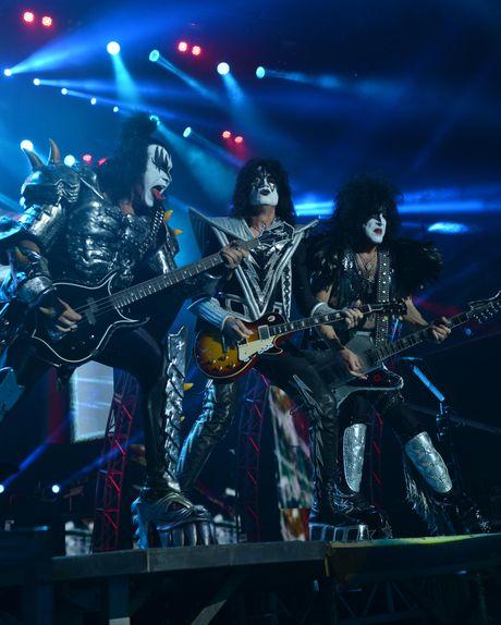 Kiss rocked the socks off fans at Mackay concert.