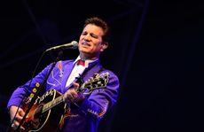 Chris Isaak performing at The Great Western Hotel, Rockhampton.