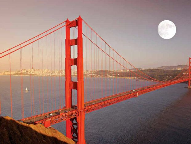 Full moon over the Golden Gate Bridge, San Francisco.