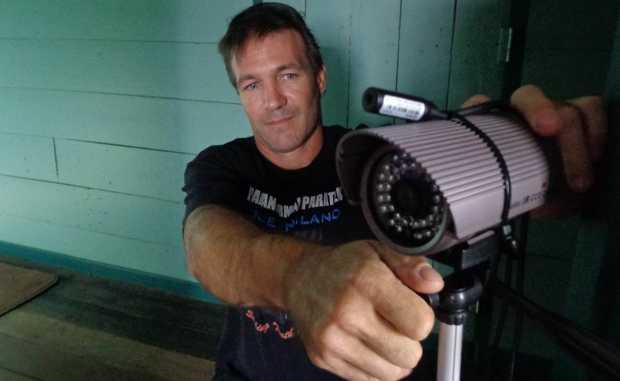 Paratek investigator Darren Davies sets up his recording equipment at the Royal Bulls Head Inn, Drayton