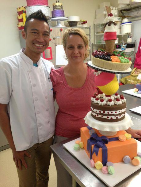 Cake Decorating Course Toowoomba : Toowoomba masterchef s cakes defy gravity Toowoomba ...