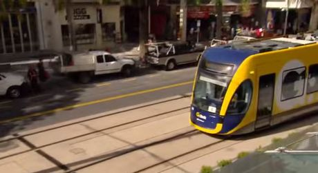 gold coast queensland transport glink_tram-yfhu8jjmx