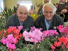 BUNCHES of garden lovers swarmed the Warwick horticultural society's Winter Gardening Extravaganza during the first morning of the two-day event.