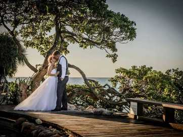 We asked our Facebook friends where the best place to get married in Gladstone is, and asked them to send in their favourite photos.