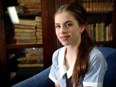 Young reader Elizabeth Clarke. Photo Allan Reinikka / The Morning Bulletin
