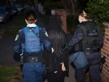 The Joint Counter Terrorism Team has executed search warrants across Sydney this morning in relation to a counter terrorism operation involving almost 900 officers raiding homes in Sydney and Brisbane