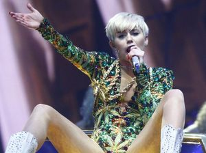 What Miley Cyrus means when she talks about being pansexual