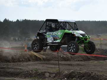 Photos of Superior Engineering off-road short course third round held at Elimbah on September 20-21. The third round included races in 7 divisions and was the final round of the competition.