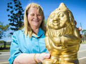 A GLADSTONE mum who took up gaming to connect with her sons has been recognised for her skills with a RuneFest Golden Gnome Award in London.