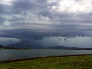 Taken at Lake Moogerah at around 4.30pm. Photo from Higgins Storm Chasing.