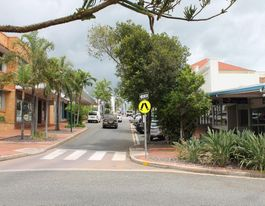 "Gladstone CBD a ""ghost town"" on Labour Day, says tourist"
