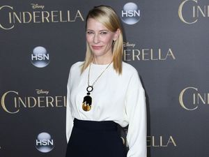 Cate Blanchett labels selfies 'pathetic'