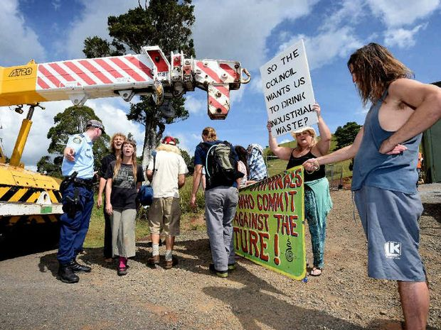 Protesters blockade a new fluoride station near Corndale.