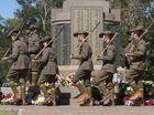 Thousands honour sacrifices at Anzac Day service
