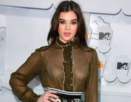Hailee Steinfeld lands record deal