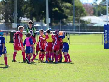Good player numbers improves game for under-10 teams.