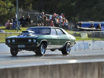 Action from the Nostalgia round held at Benaraby Raceway.