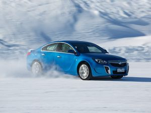 Holden Insignia VXR road (and ice) test