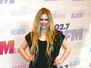 Avril Lavigne: Singer Talks About Battle With Lyme Disease