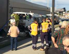Driver trapped after crash at Goodna