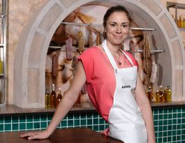Ashleigh's sweet success: Buderim baker back in the kitchen