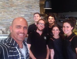 Kelly Slater searches out Buderim cafe for a wholesome feed