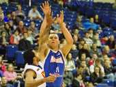 THEY couldn't snare the win, but the Toowoomba Mountaineers men pushed QBL powerhouse Rockhampton all the way in a 102-99 thriller on Saturday night.