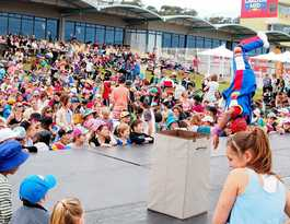 Shout goes out for locals in Buskers Festival