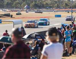 V8 fans crowd raceway for Ipswich SuperSprint