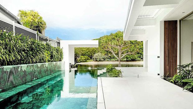Canalfront home wins master builders house of the year - Maison architecte queensland tim ditchfield ...