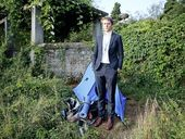 A YOUNG New Zealander has quit his unpaid internship with the UN after it was revealed he had been living it rough in a tent.