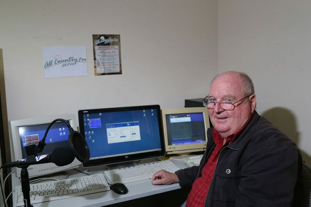 modern country comes to kingaroy airwaves south burnett times