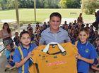 Former Wallaby Tim Horan visits Kandanga State School