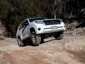 New diesel Toyota Prado tested on and off road