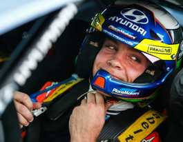 Kiwi driver Paddon to risk it all in Rally Australia drive