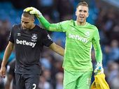 THE unbeaten run of English Premier League leader Manchester City came to a grnding halt, beaten 2-1 at home by West Ham.