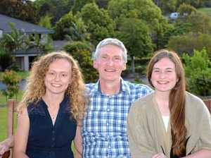 Rebekah, 19, with dad Dave and sister Kaitlin, 14, believes her mother Lisa received good palliative care.