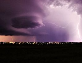 Reports of damage as lightning lights up Southern Downs sky