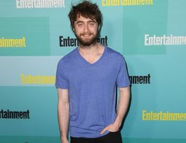 Daniel Radcliffe gets asked to sign fans' breasts